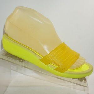 Donald J Pliner Sz 7 Yellow Mule Sandals B3B13